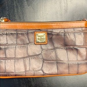 Dooney and Bourke Wristlet Great Condition